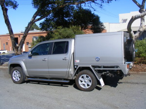 Metallic, 2 Door, External Spare Wheels